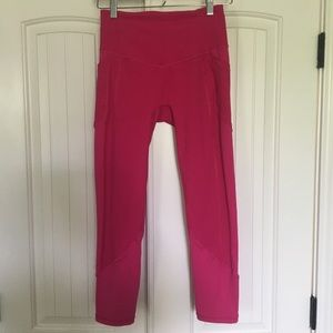 Lululemon All The Right Places Sz 6